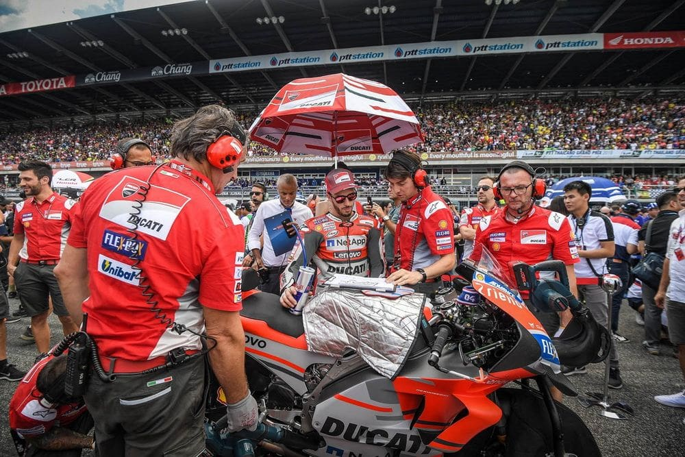 First Thai MotoGP earns profits and widespread praise  | The Thaiger