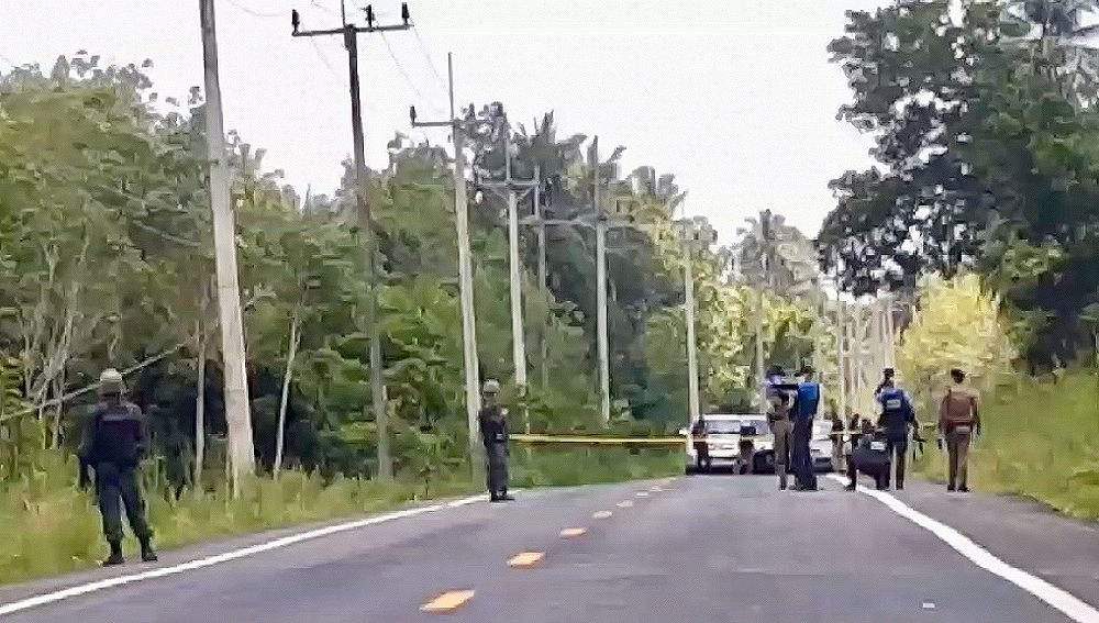 School director ambushed in Pattani | News by The Thaiger