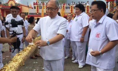 Go Teng poles raised, Phuket Vegetarian Festival underway | The Thaiger