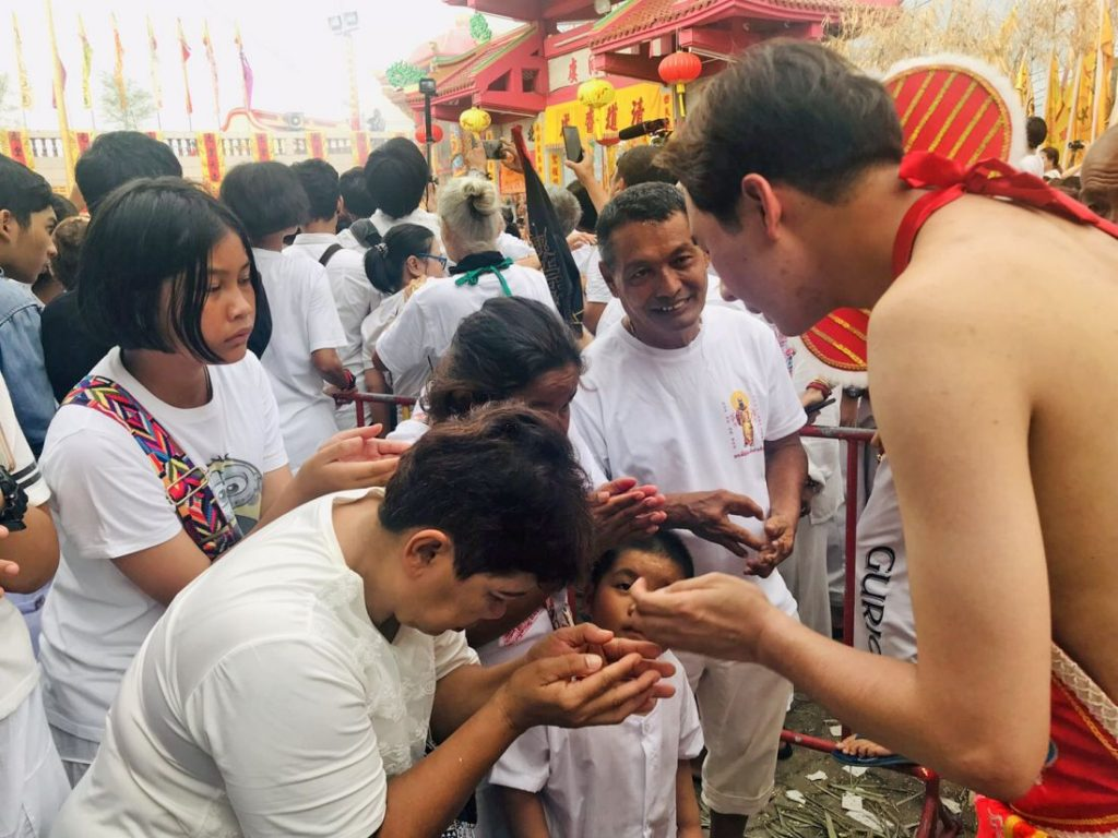 Go Teng poles raised, Phuket Vegetarian Festival underway | News by The Thaiger