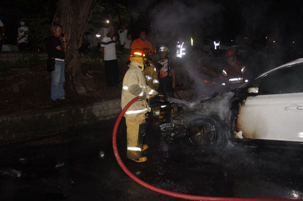 Volvo explodes into flames outside Phuket Temple | News by The Thaiger