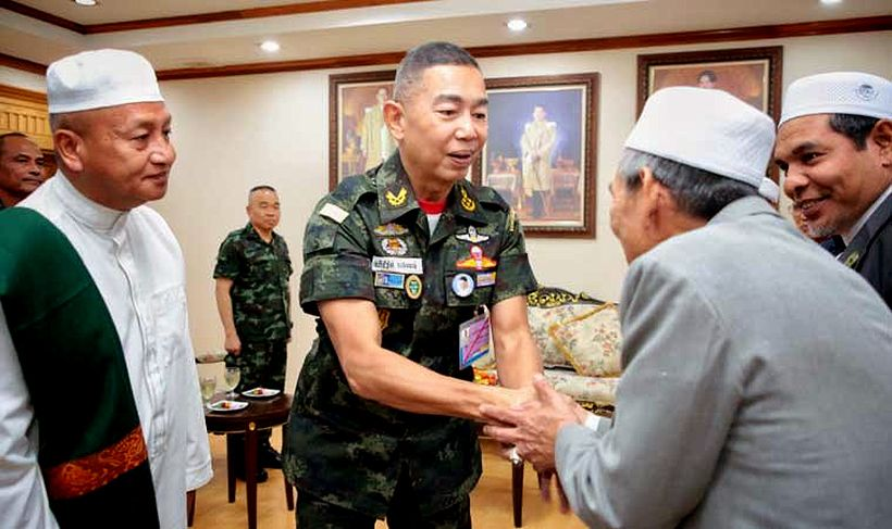 New Thai Army Commander visits Pattani | The Thaiger