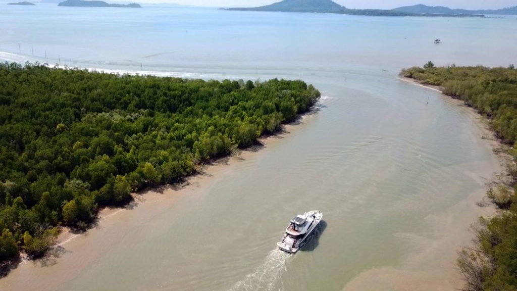 Extensive dredging gives Royal Phuket Marina round-the-clock access   News by Thaiger