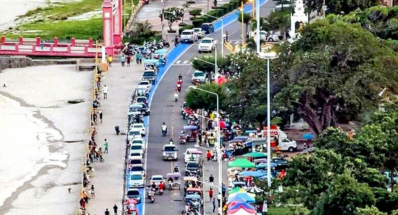 Prachuap Khiri Khan's 9.6 million baht blue car park | The Thaiger