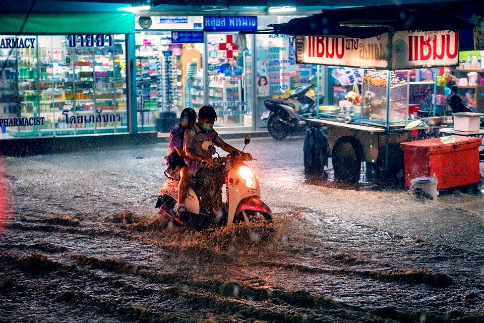 Heavy rain in spots around the country until Monday | The Thaiger