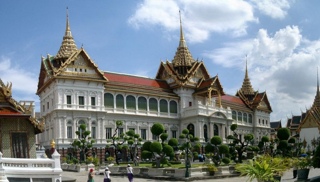 Junta goes for lighter touch on lese majeste laws | The Thaiger