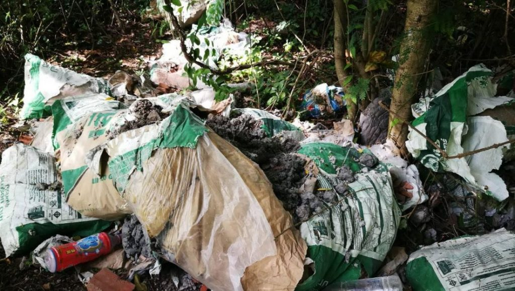 Village leaders try to track down rubbish dumpers | News by The Thaiger