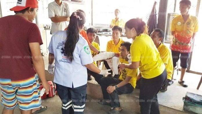 เครื่องปั่นผ้าสยอง ปั่นแขนพนักงาน 'ขาด'   News by The Thaiger