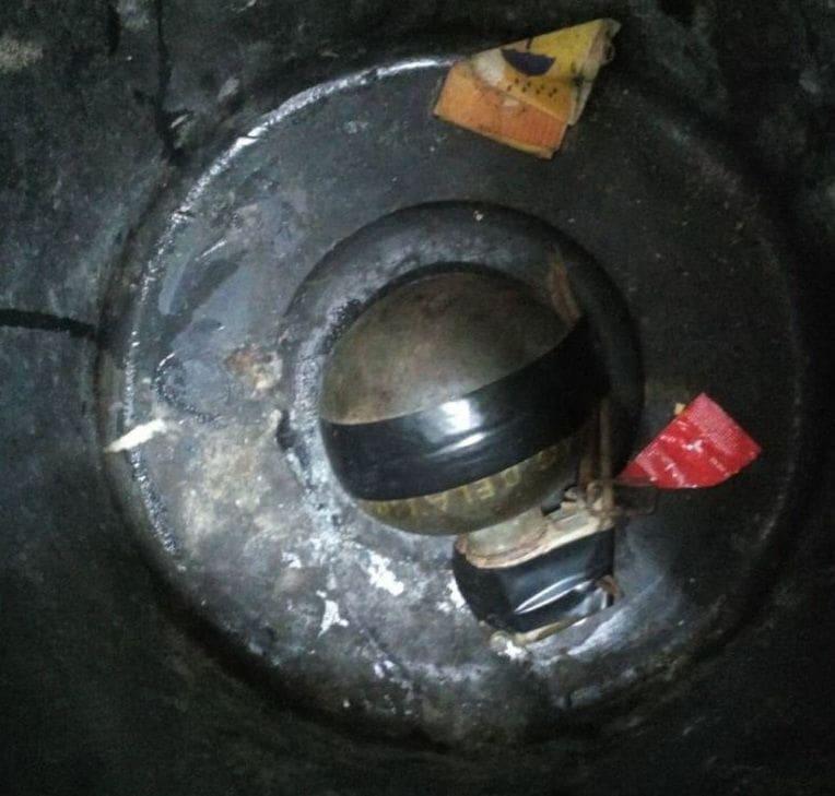 ตะลึง! ตำรวจสภ.ถลาง นำกำลังเข้าตรวจวัยรุ่นเสพยาฯ พบซุกระเบิดลูกเกลี้ยงในห้องเช่า | News by The Thaiger