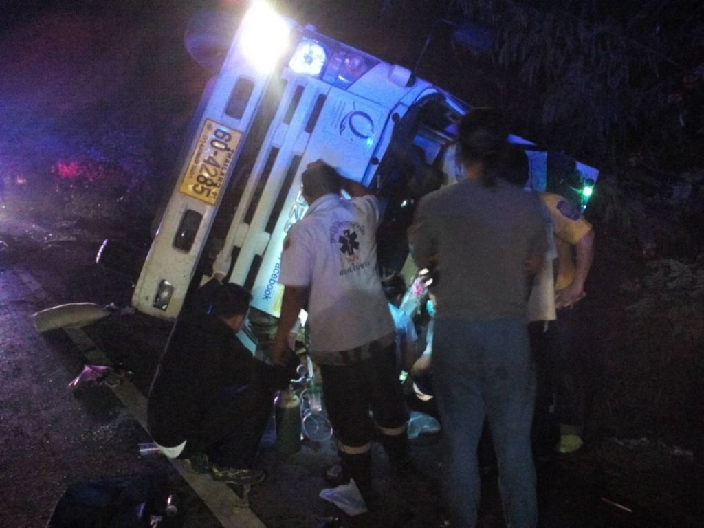 Two survive after a six wheeler overturns near the Sarasin Bridge | News by The Thaiger
