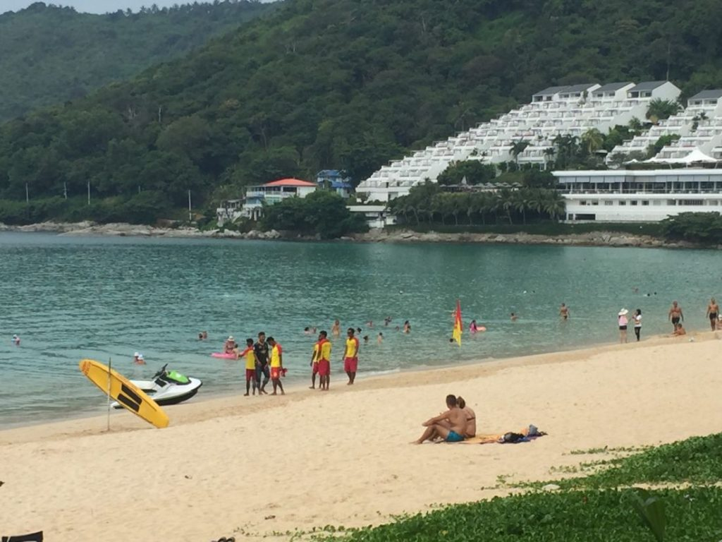 Rawai Mayor confirms lifeguards patrolling Nai Harn Beach everyday | News by The Thaiger