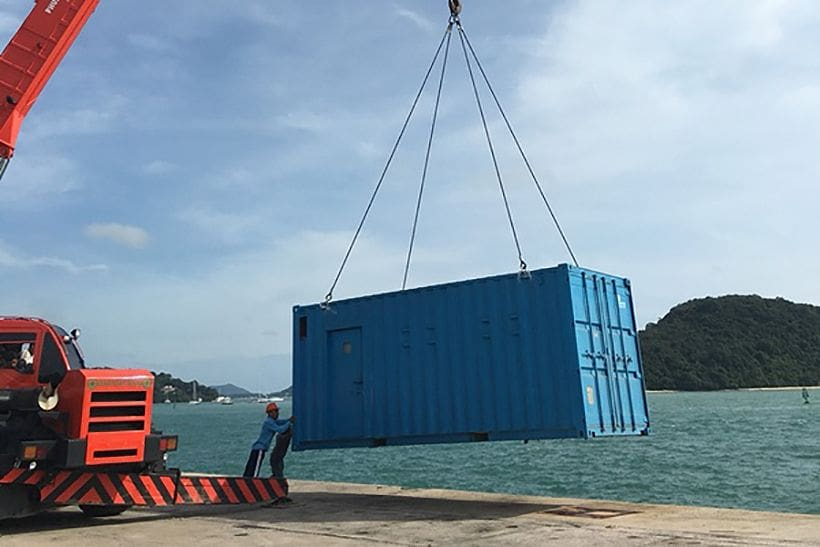 Singapore barge and crane arrive for the rising of Phoenix | News by Thaiger