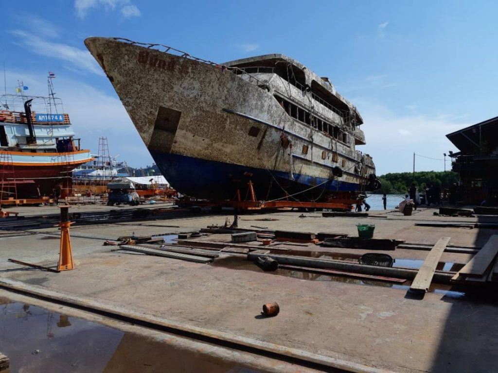 The Phoenix is now high and dry at Rassada shipyards | News by Thaiger