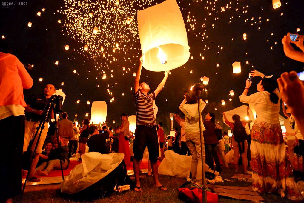 Despite a ban, permission has been sought to launch 64,000 lanterns for Loy Krathong | The Thaiger