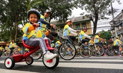 King leads the way in 'Bike for Love and Warmth' – PHOTOS | The Thaiger
