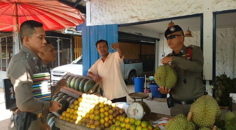 โจรหิว เจ้าของร้านขายผลไม้กระบี่ร้องตำรวจช่วย ถูกโจรย่องขโมยทุเรียนพันธุ์หมอนทอง | The Thaiger