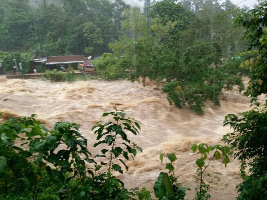 Heavy December rain hits Nakhon Si Thammarat this morning | News by The Thaiger