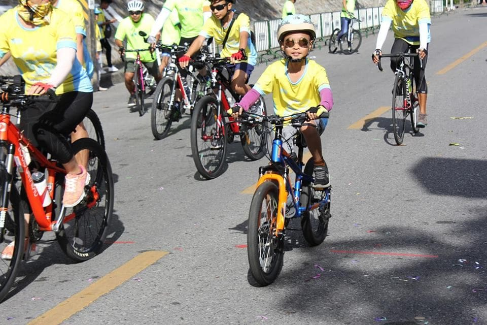 Governor joins Bike Un Ai Rak in Phuket | News by The Thaiger