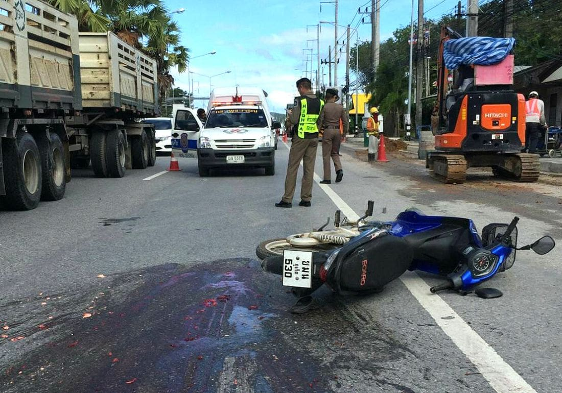 Motorcyclist crushed by truck in Thalang | The Thaiger