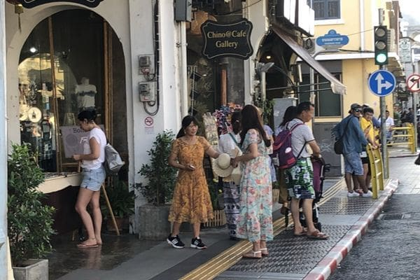 Number of tourists visiting Phuket still high - TAT Phuket | News by Thaiger