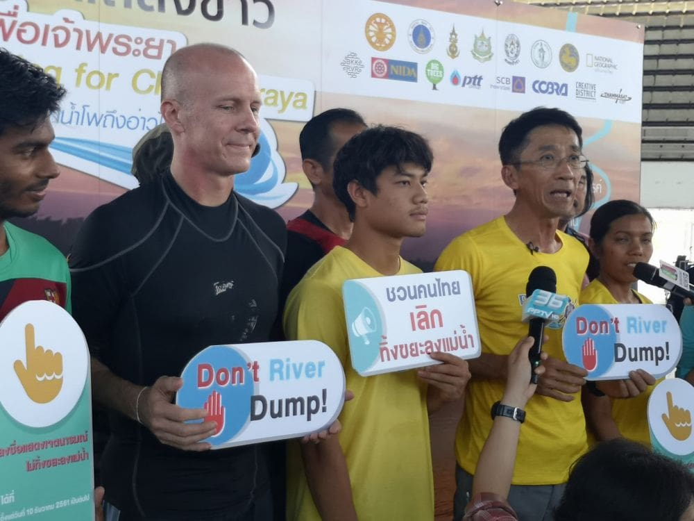 """Kayaking for Chao Phraya"" – anti river-dumping campaign 