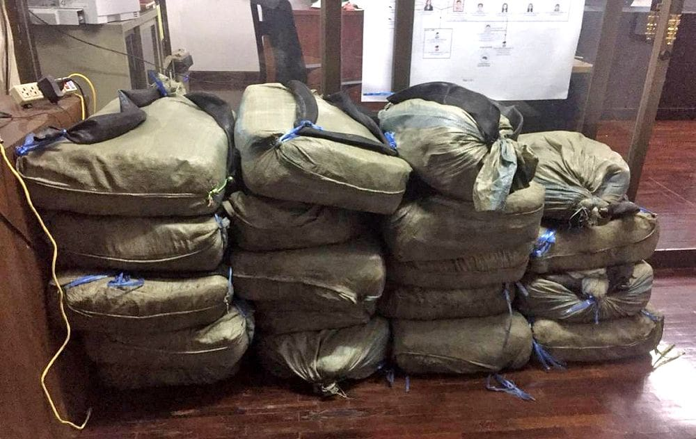 Narcotics officers arrest three with 370 kg of 'ice' and heroin in Chiang Rai | News by The Thaiger