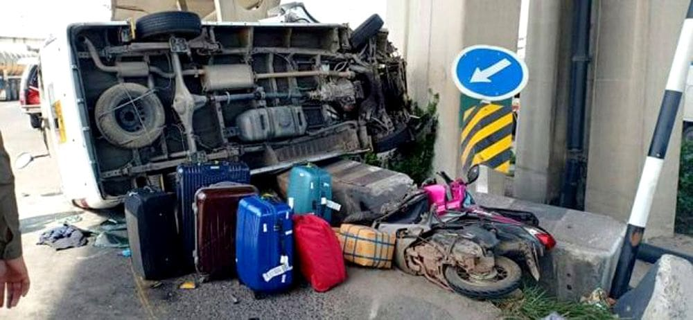 Driver killed and eight injured in passenger van crash   News by Thaiger