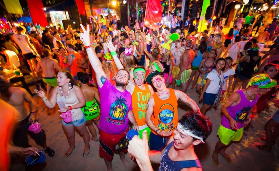 Last Full Moon Party for 2018 attracts 30,000 | The Thaiger