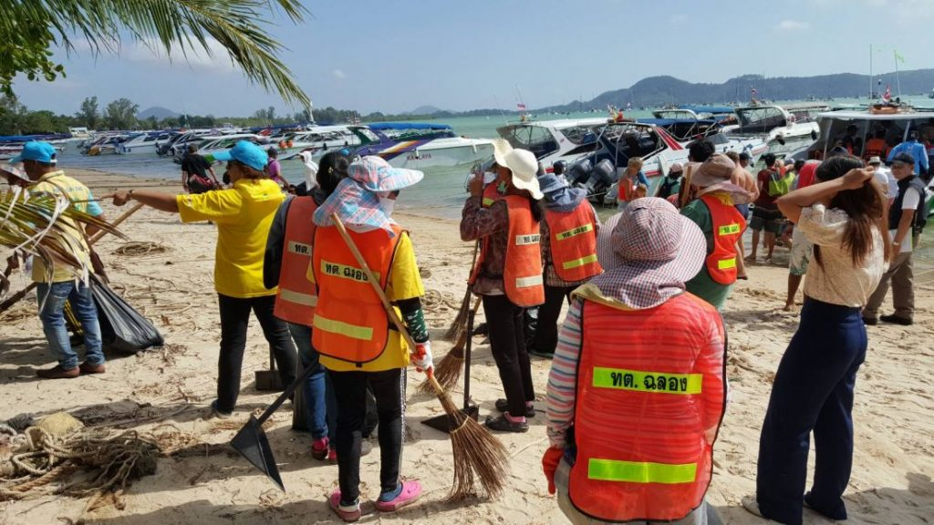 Tourists surge back to Chalong Pier and out to the islands | News by Thaiger