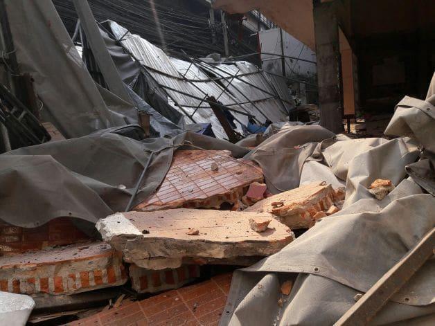 ด่วน! อาคารร้างย่านรามคำแหงถล่ม บาดเจ็บ 2 คน | News by The Thaiger