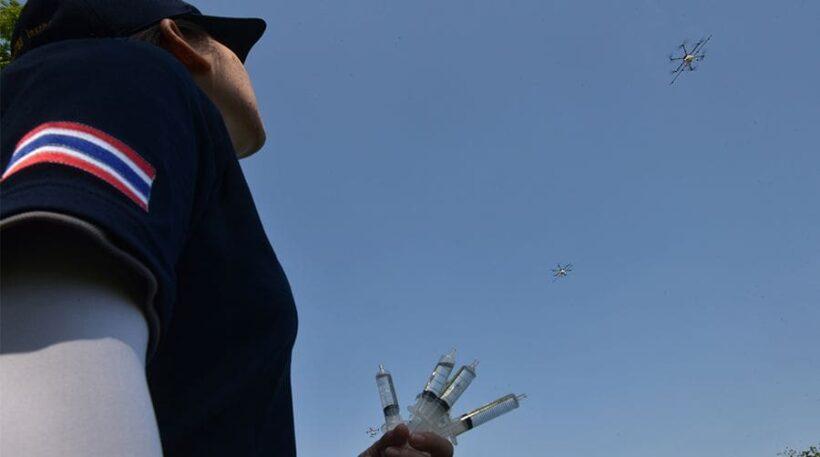 ความหวังคนกรุง โดรนบินพ่นละอองน้ำ ช่วยลดฝุ่น PM 2.5 ได้เกือบ 20 เปอร์เซ็นต์ | News by The Thaiger