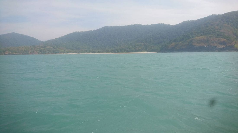 อีกแล้ว! เรือสปีดโบท จมกลางทะเลเกาะลันตา นทท.ปลอดภัย | News by The Thaiger
