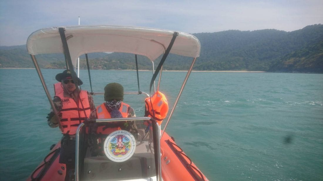 Eight saved after speedboat capsizes off Koh Lanta coast | The Thaiger