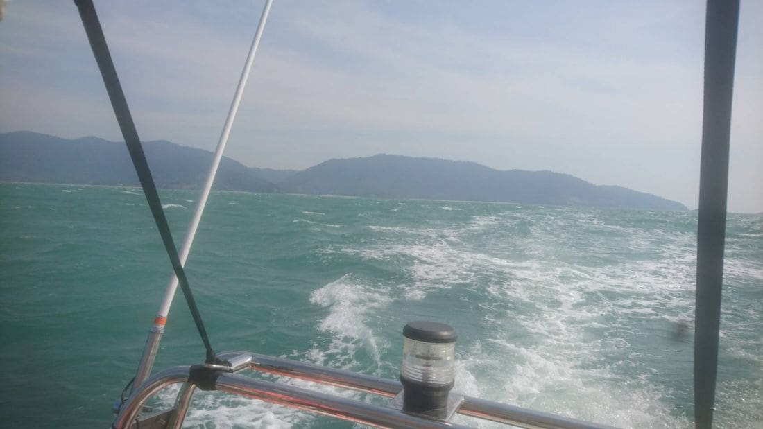 Eight saved after speedboat capsizes off Koh Lanta coast | News by The Thaiger
