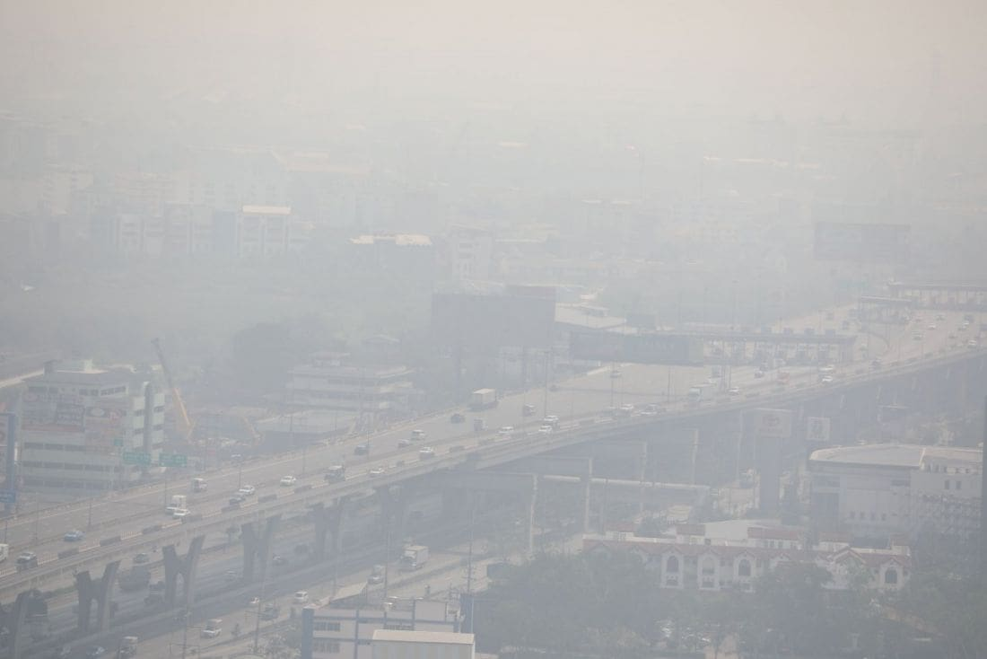 Bangkok smog forces school closures and PM insists on odd/even car driving days | The Thaiger