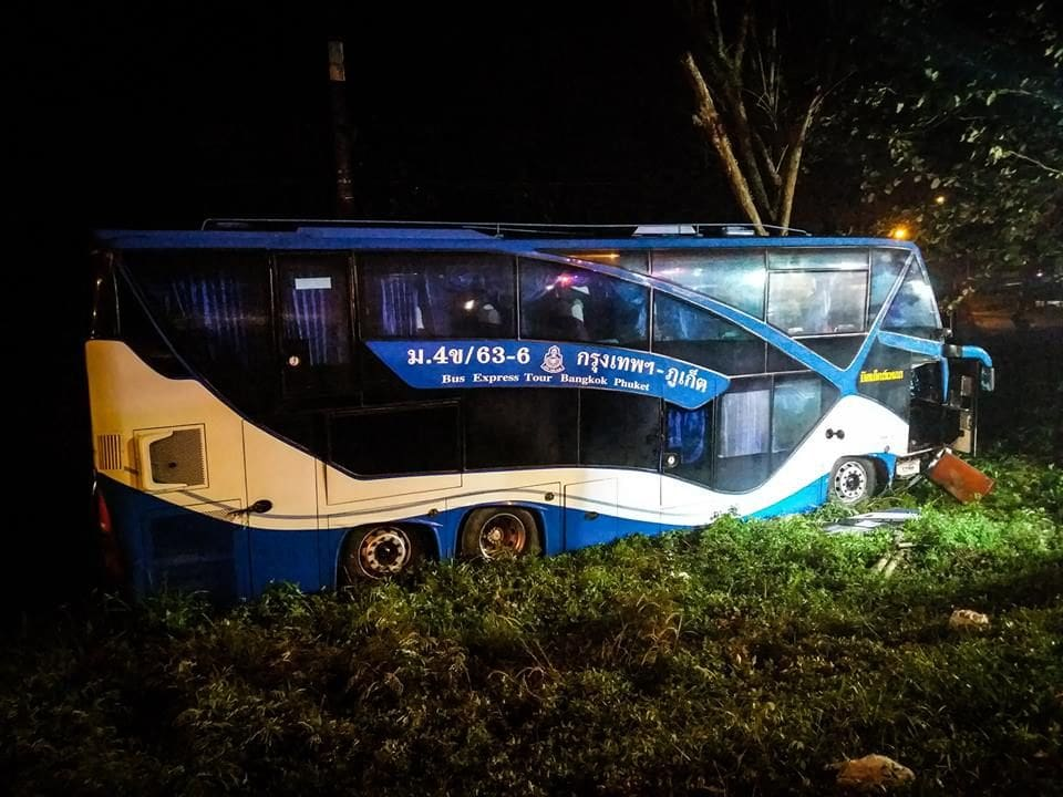 Driver charged in Chumphon tour bus accident | The Thaiger