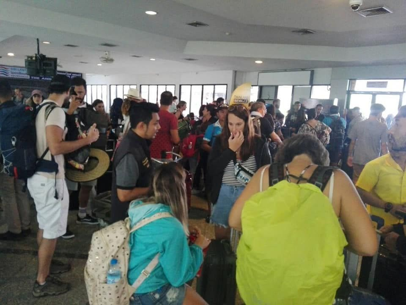 Pabuk: 2,000 tourists on Koh Phi Phi moved to Krabi mainland | News by Thaiger