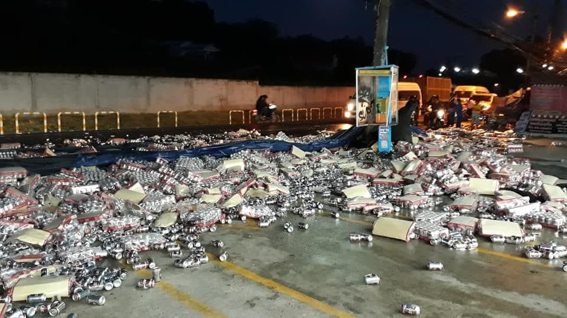 Beer truck overturns in Rassada, Phuket - VIDEO | News by Thaiger