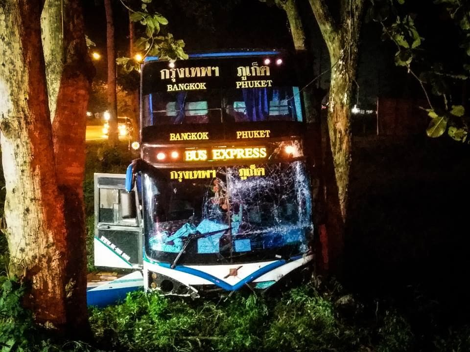 23 Filipino tourists escape serious injury in Bangkok – Phuket bus accident in Chumphon | The Thaiger