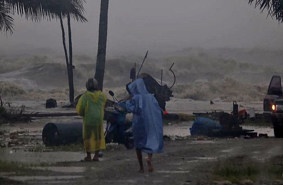 Pabuk: Warnings for coastal residents to stay indoors | The Thaiger