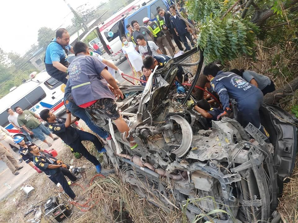 Woman badly injured in Rayong car accident | The Thaiger