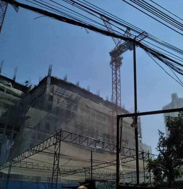 Crane topples in Bangkok killing four, many others injured | News by The Thaiger