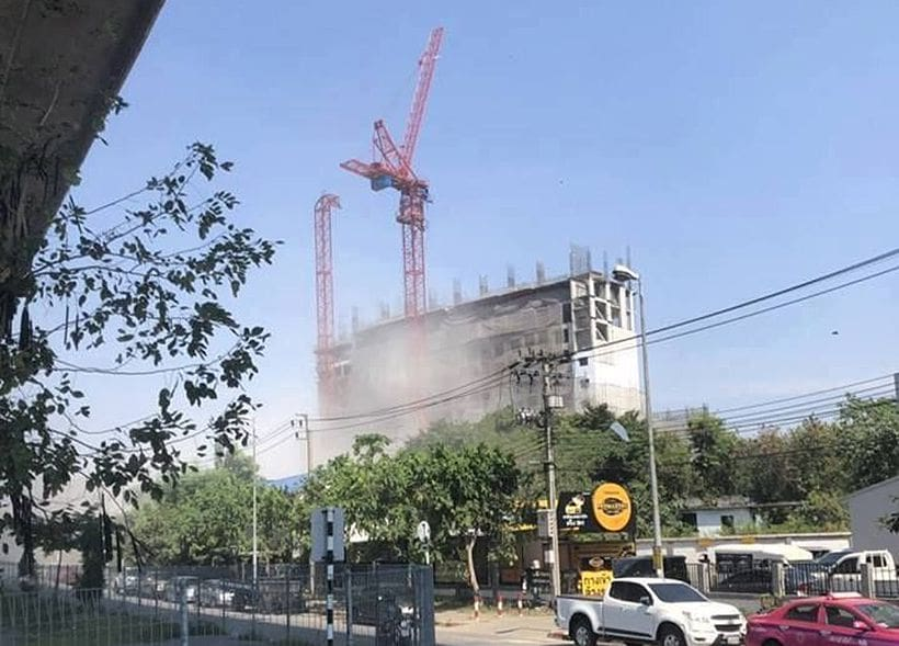 Crane topples in Bangkok killing four, many others injured | The Thaiger