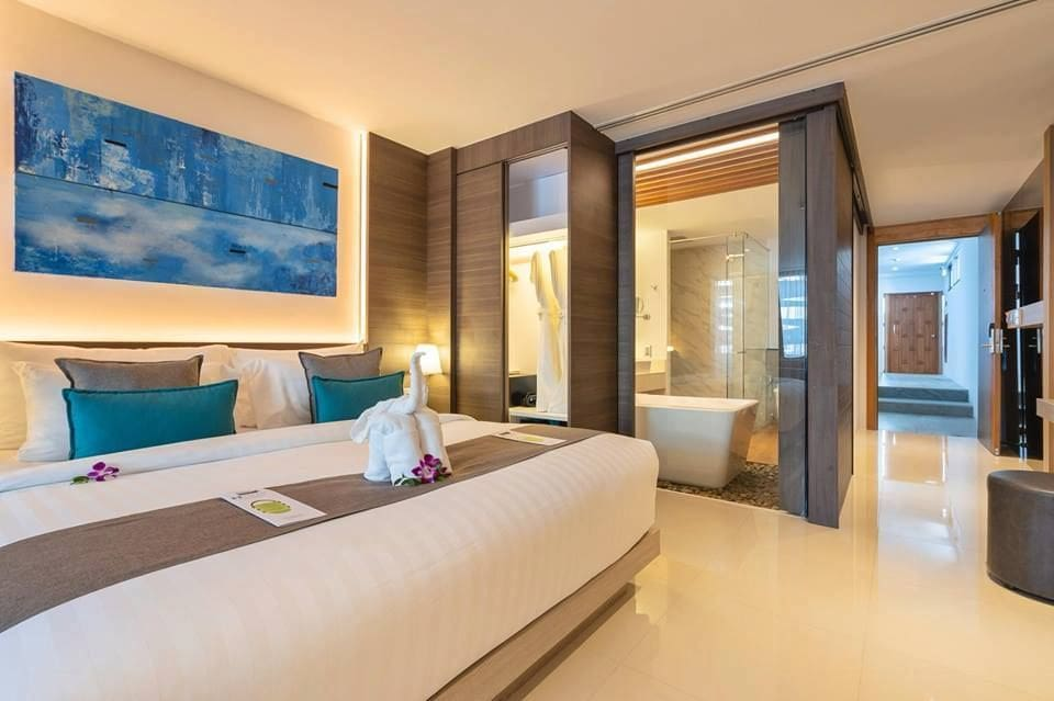 Luxury beachfront suites at The Bay & Beach Club | News by The Thaiger
