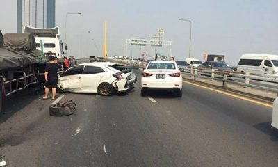 Trailer collides with sedan on highway in Bangkok | The Thaiger
