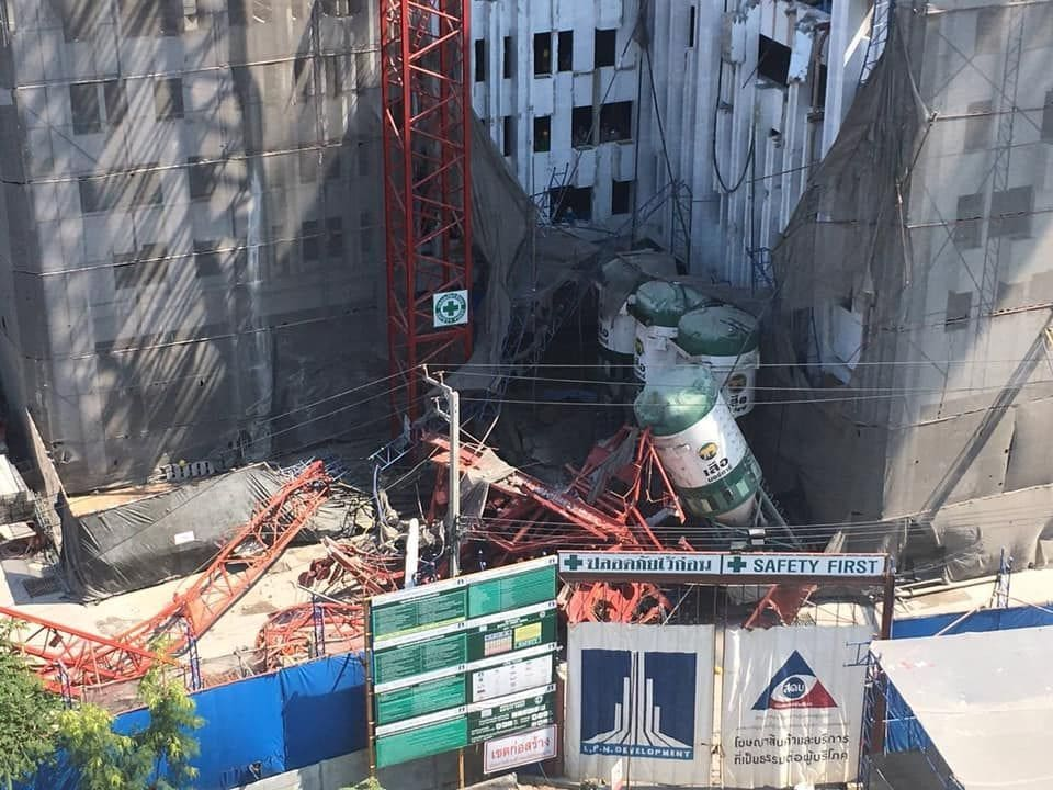 Four dead and at least five injured in Bangkok crane failure | The Thaiger