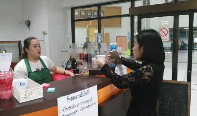กระทรวงธรรมชาติฯ นำร่อง ห้ามร้านค้าใช้แก้วพลาสติก   The Thaiger