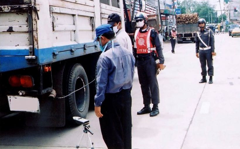 Bangkok smog: Police on the lookout for dirty exhaust from vehicles   News by Thaiger