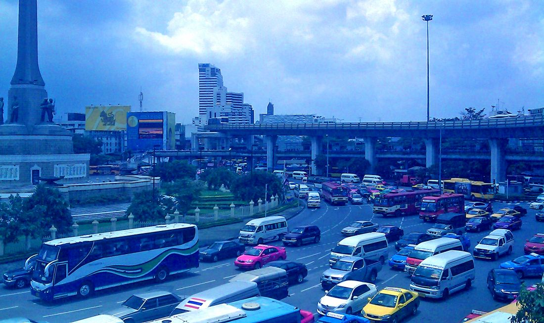 Bangkok smog: Oil refineries being asked to upgrade quality of diesel | The Thaiger