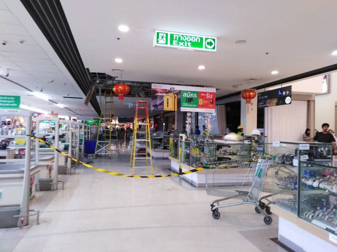 No injuries as ceiling collapses at Tesco Lotus Samkong | News by Thaiger